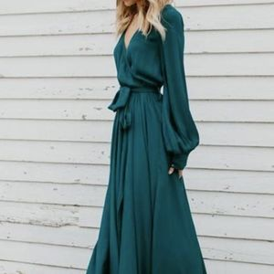 Dresses & Skirts - V-Neck Long Sleeve Belted Maxi Dress
